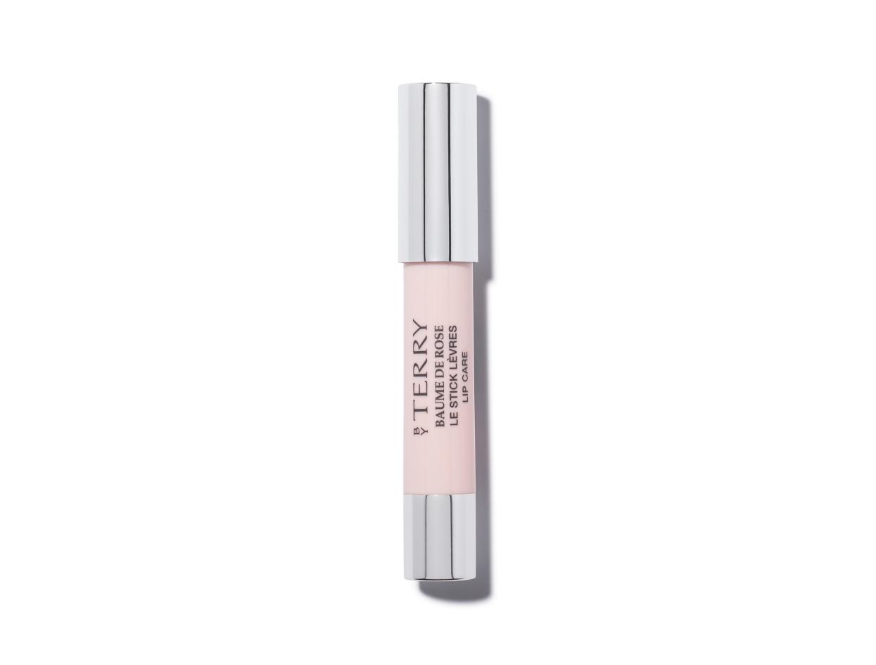 By Terry Baume de Rose Crayon Le Stick Lèvres   Shop now on @violetgrey https://www.violetgrey.com/product/baume-de-rose-le-stick-levres/BYT-V18301001