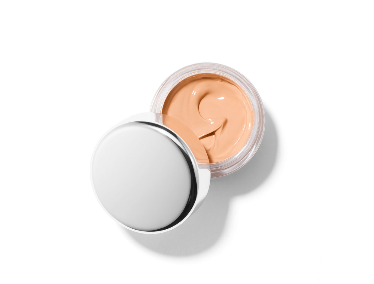 Chantecaille Future Skin Foundation in Alabaster | Shop now on @violetgrey https://www.violetgrey.com/product/future-skin-foundation/CHC-001400