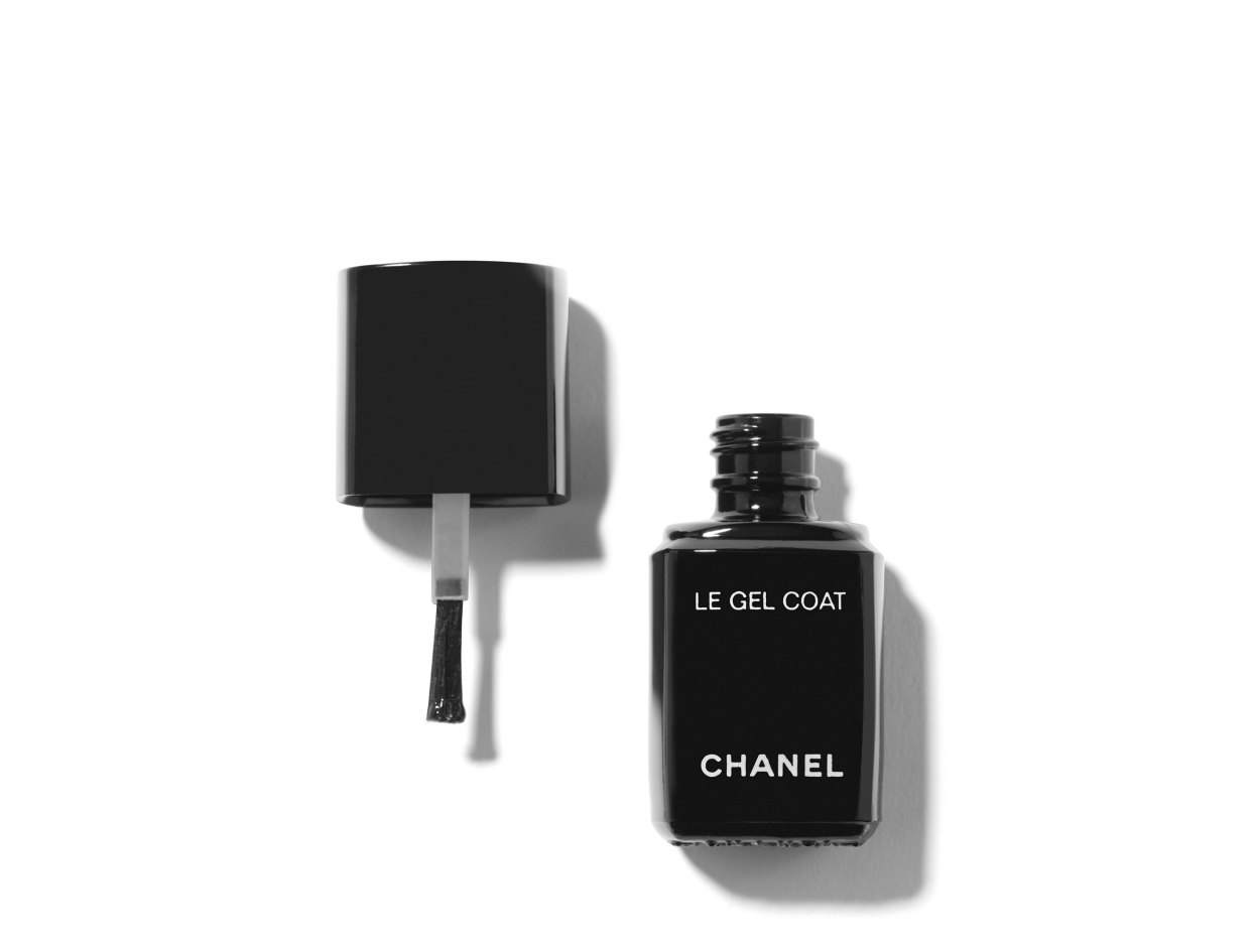 Chanel Le Gel Coat Longwear Top Coat | Shop now on @violetgrey https://www.violetgrey.com/product/le-gel-coat-longwear-top-coat/CHN-158350