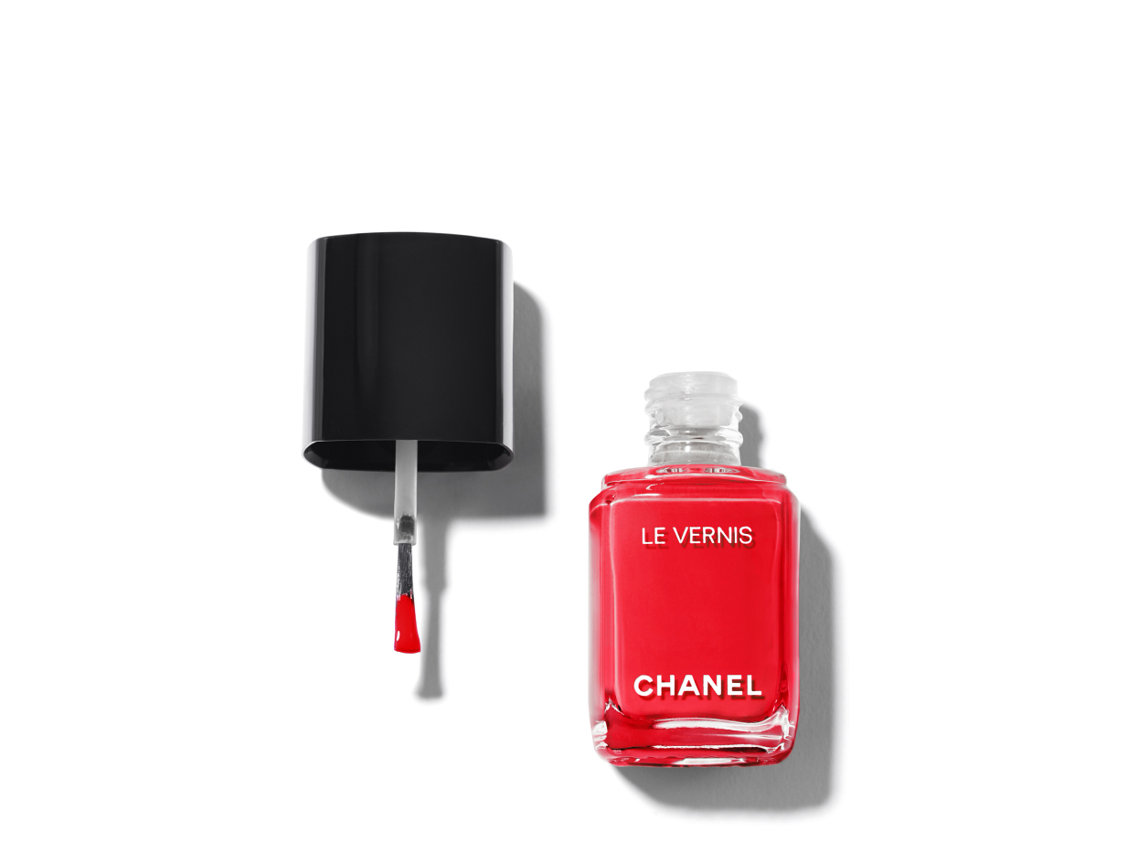 Chanel Le Vernis Longwear Nail Colour in 510 Gitane | Shop now on @violetgrey https://www.violetgrey.com/product/le-vernis-longwear-nail-colour/CHN-159510
