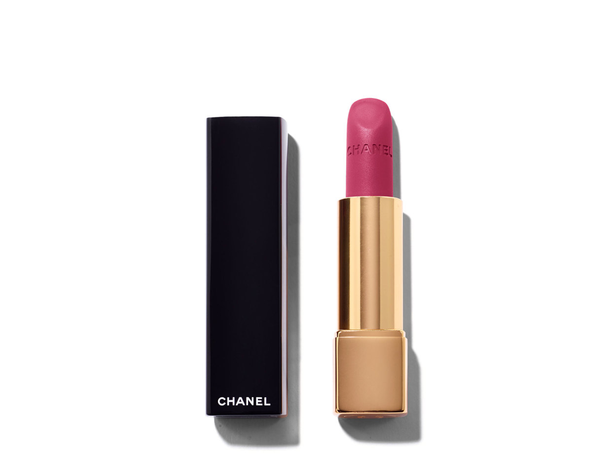 Chanel Rouge Allure Velvet Intense Long-Wear Lip Colour in 50 La Romanesque | Shop now on @violetgrey https://www.violetgrey.com/product/rouge-allure-velvet-intense-long-wear-lip-colour/CHN-162500