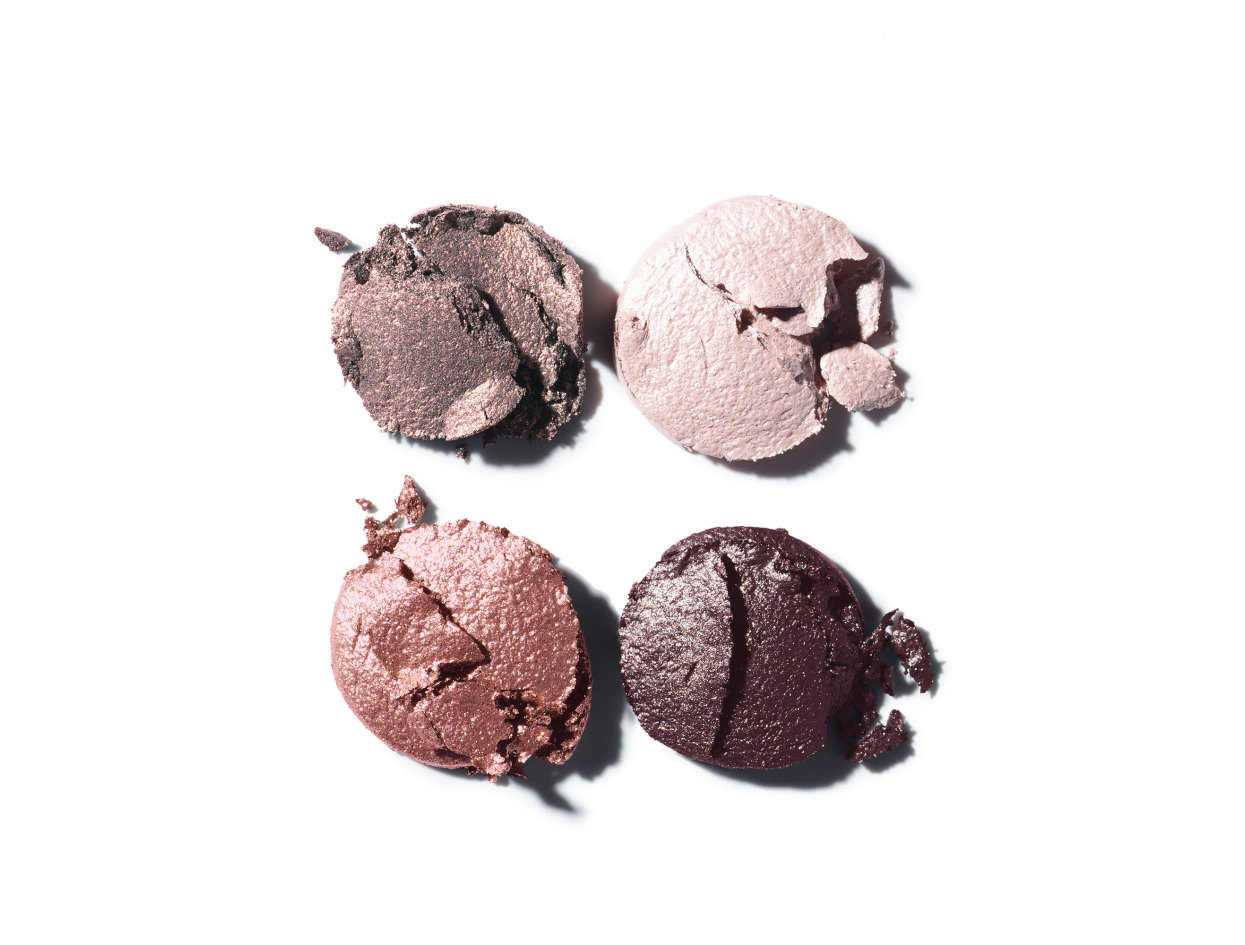 Chanel Les 4 Ombres Multi-Effect Quadra Eyeshadow in 202 Tissé Camélia | Shop now on @violetgrey https://www.violetgrey.com/product/les-4-ombres-multi-effect-quadra-eyeshadow/CHN-164202