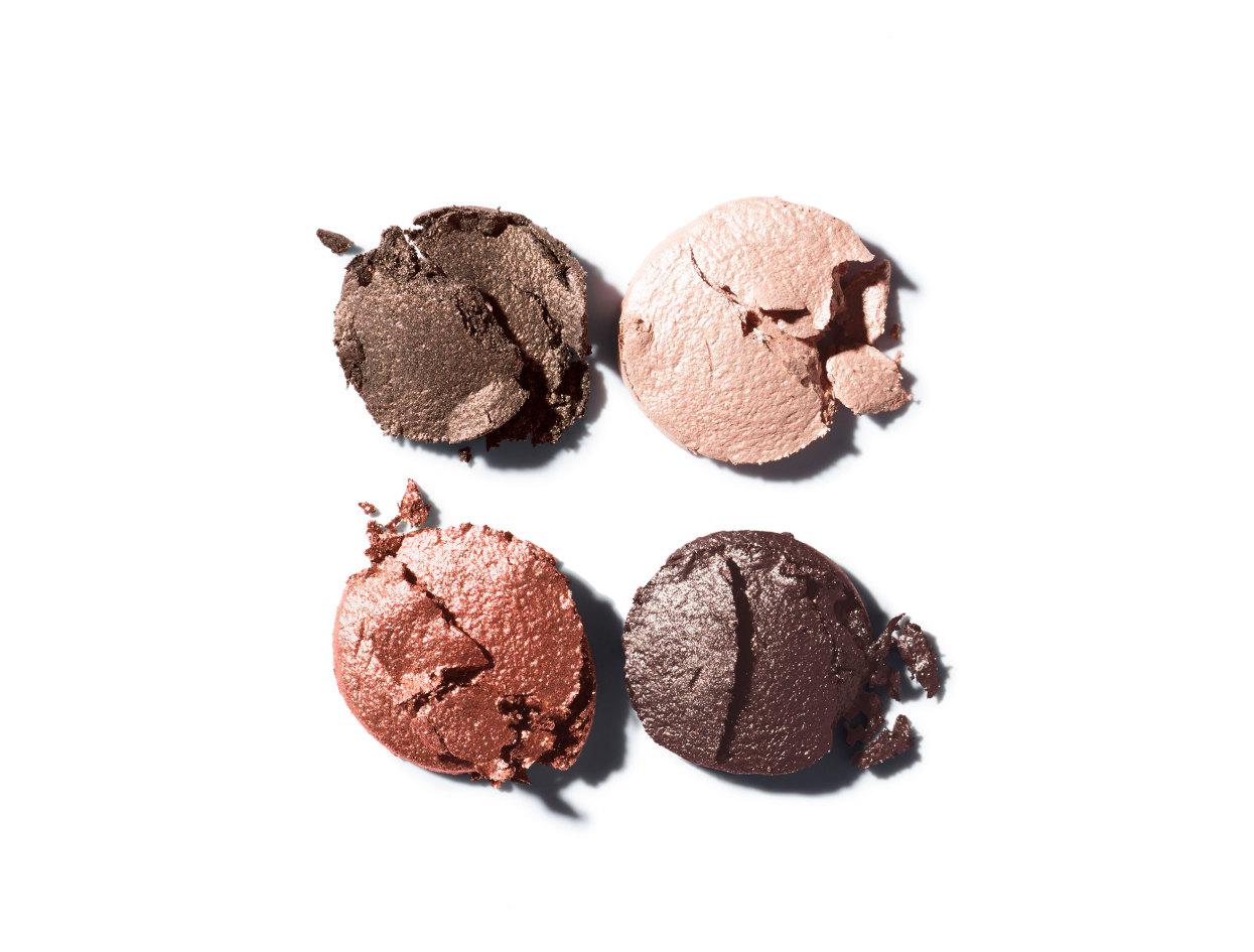 Chanel Les 4 Ombres Multi-Effect Quadra Eyeshadow in 204 Tissé Vendôme | Shop now on @violetgrey https://www.violetgrey.com/product/les-4-ombres-multi-effect-quadra-eyeshadow/CHN-164204
