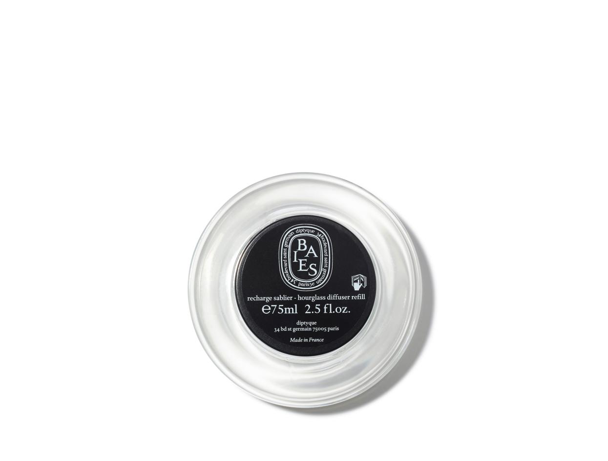 Diptyque Hourglass Diffuser Replacements 2.0 | Shop now on @violetgrey https://www.violetgrey.com/product/hourglass-diffuser-replacement-2-0/DIP-HGBRCARB2