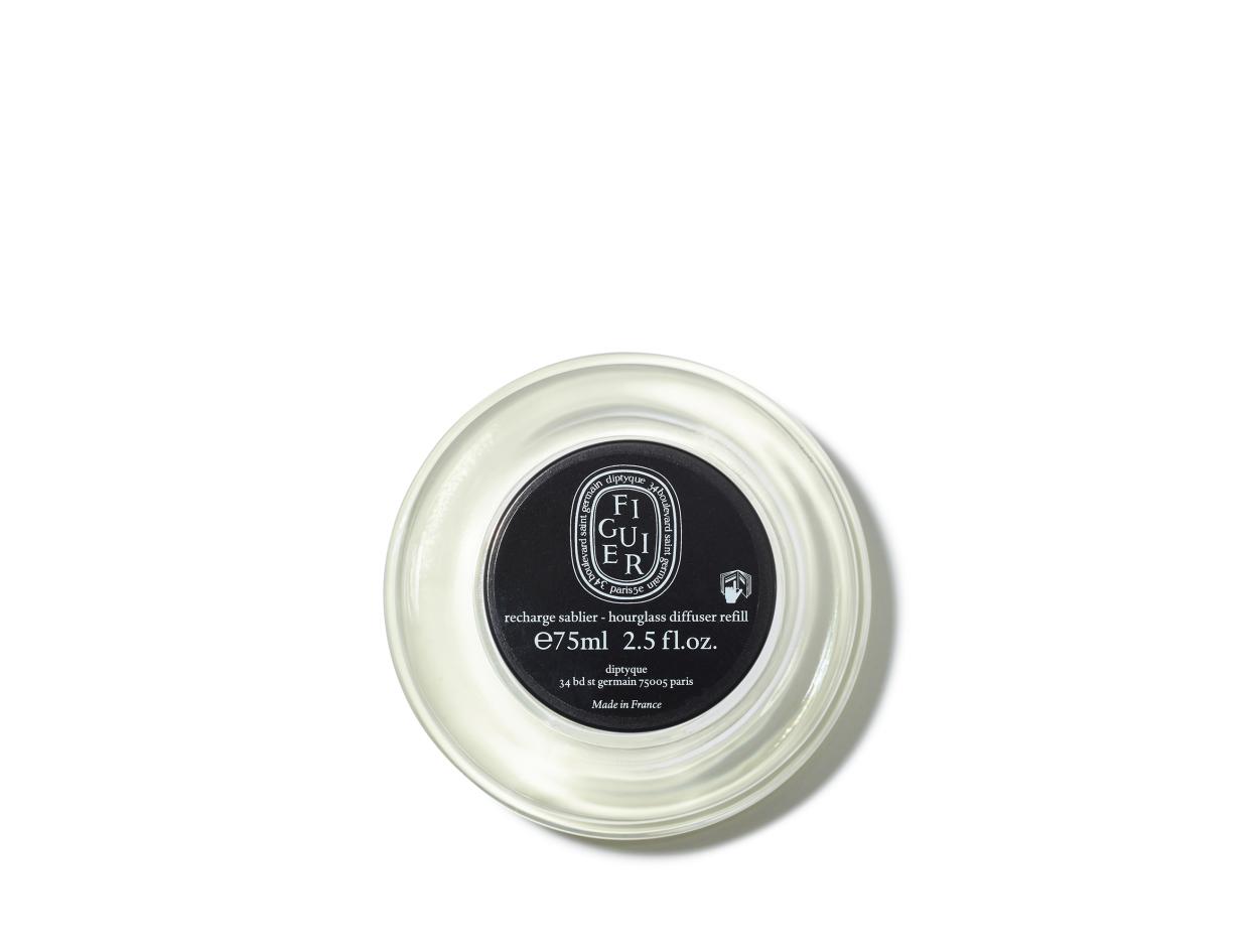 Diptyque Hourglass Diffuser Replacements 2.0   Shop now on @violetgrey https://www.violetgrey.com/product/hourglass-diffuser-replacement-2-0/DIP-HGFIRCARB2