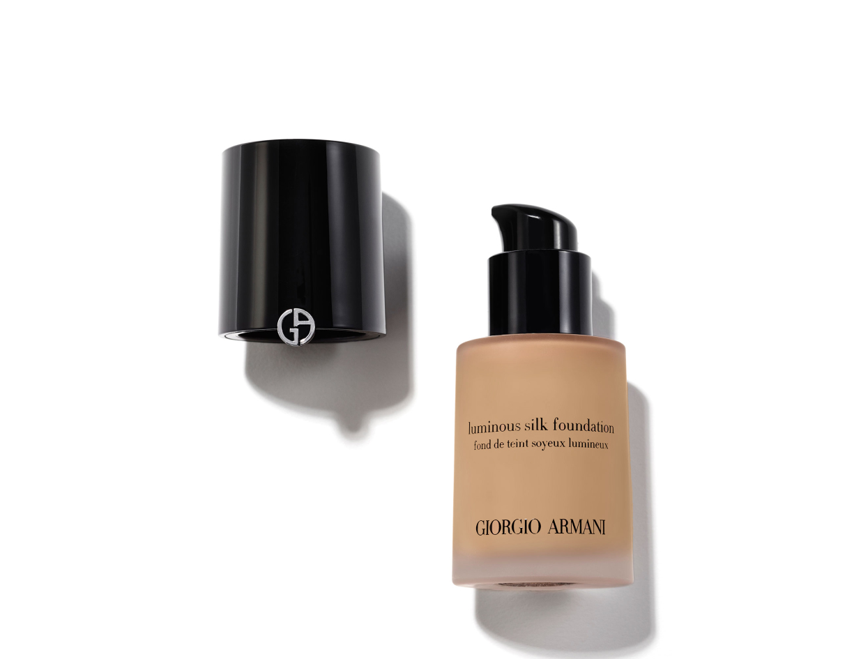 Giorgio Armani Luminous Silk Foundation in 6 | Shop now on @violetgrey https://www.violetgrey.com/product/luminous-silk-foundation/GIO-L40821