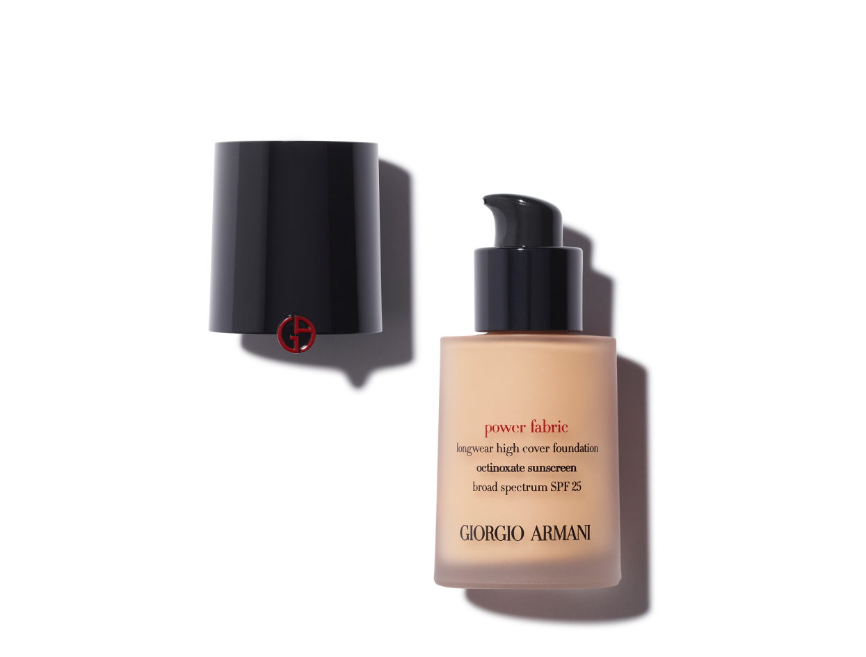 Giorgio Armani Power Fabric Foundation in 2.0 | Shop now on @violetgrey https://www.violetgrey.com/product/power-fabric/GIO-L6392600
