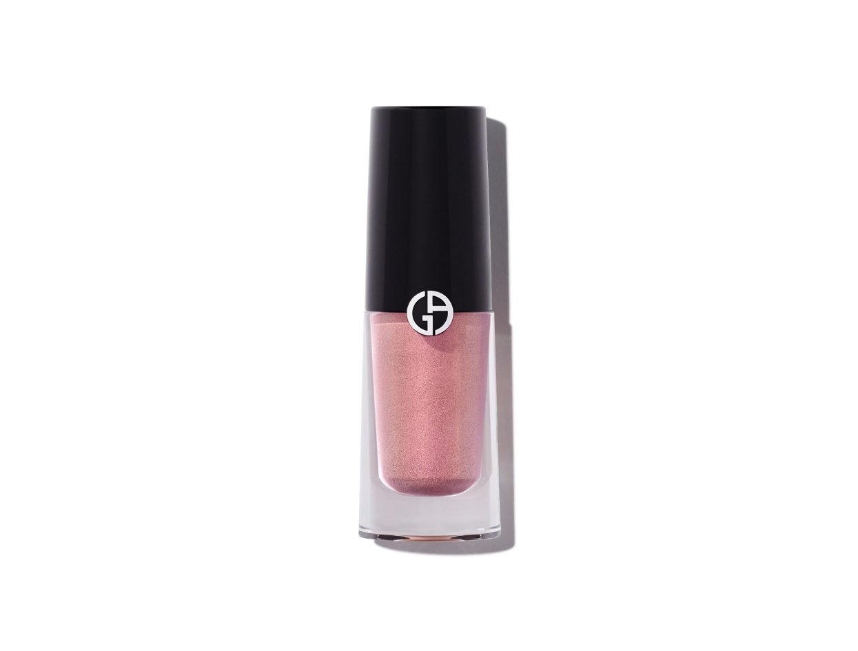 Giorgio Armani Eye Tint Eyeshadow in Rose Reflection | Shop now on @violetgrey https://www.violetgrey.com/product/eye-tint-liquid-shadow/GIO-LA446100