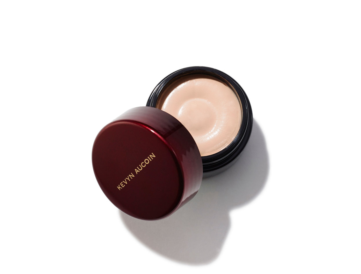 Kevyn Aucoin Sensual Skin Enhancer in SX 2 | Shop now on @violetgrey https://www.violetgrey.com/product/sensual-skin-enhancer/KEV-030502