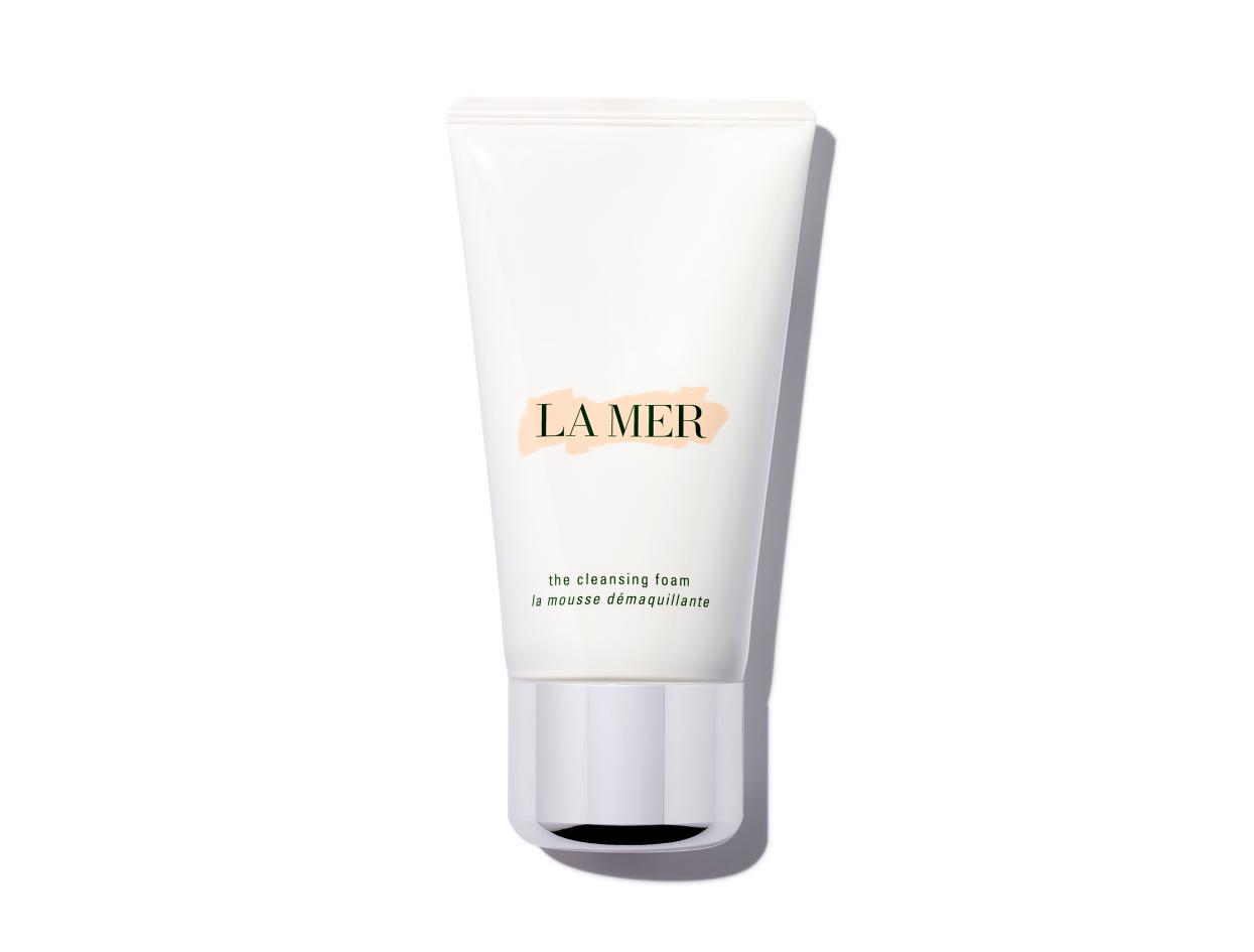 La Mer The Cleansing Foam in 4.2 oz   Shop now on @violetgrey https://www.violetgrey.com/product/cleansing-foam/LAM-51T401