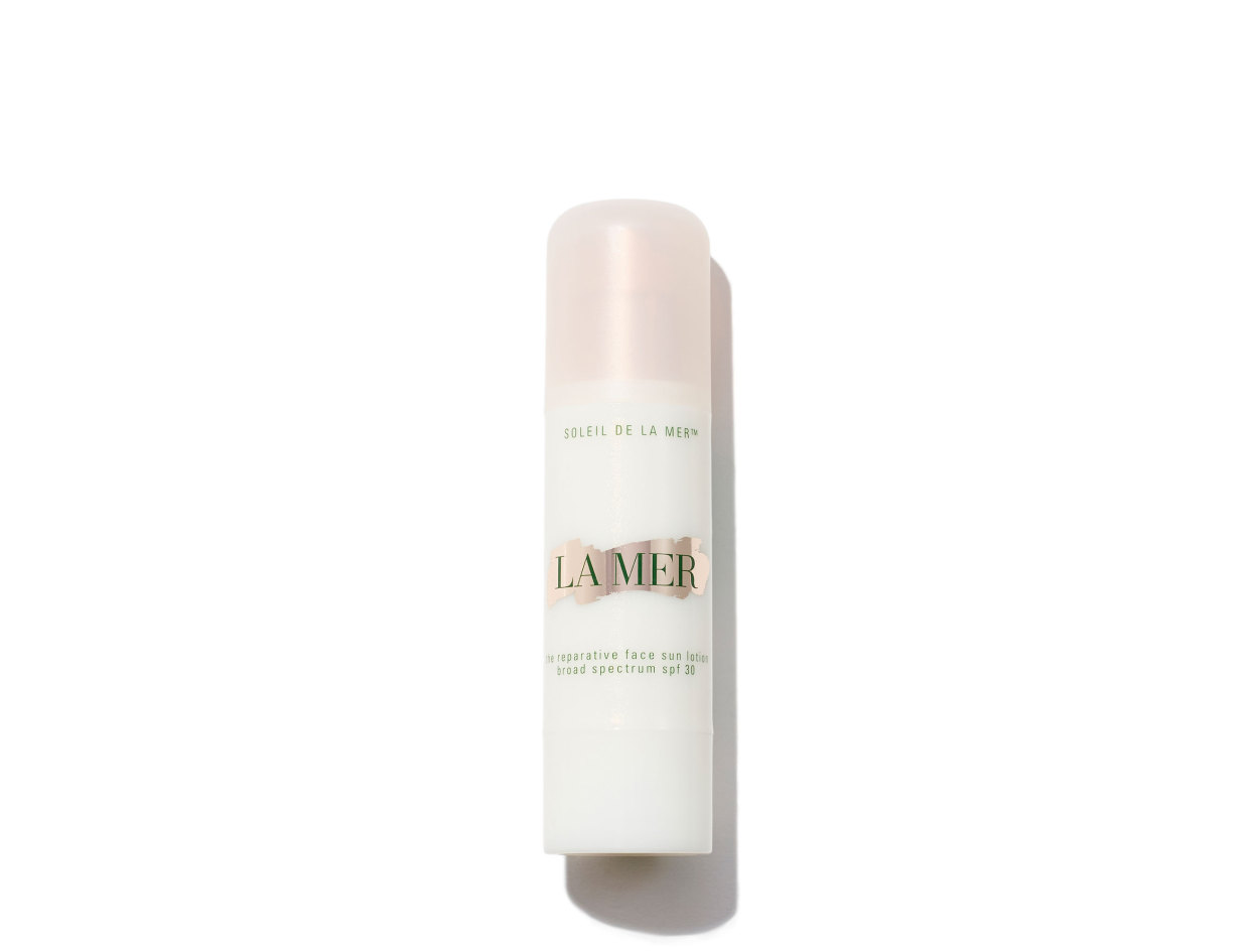 La Mer The Reparative Face Sun Lotion Broad Spectrum SPF 30 in 1.7 oz | Shop now on @violetgrey https://www.violetgrey.com/product/the-reparative-face-sun-lotion-broad-spectrum-spf-30/LAM-53EP-01