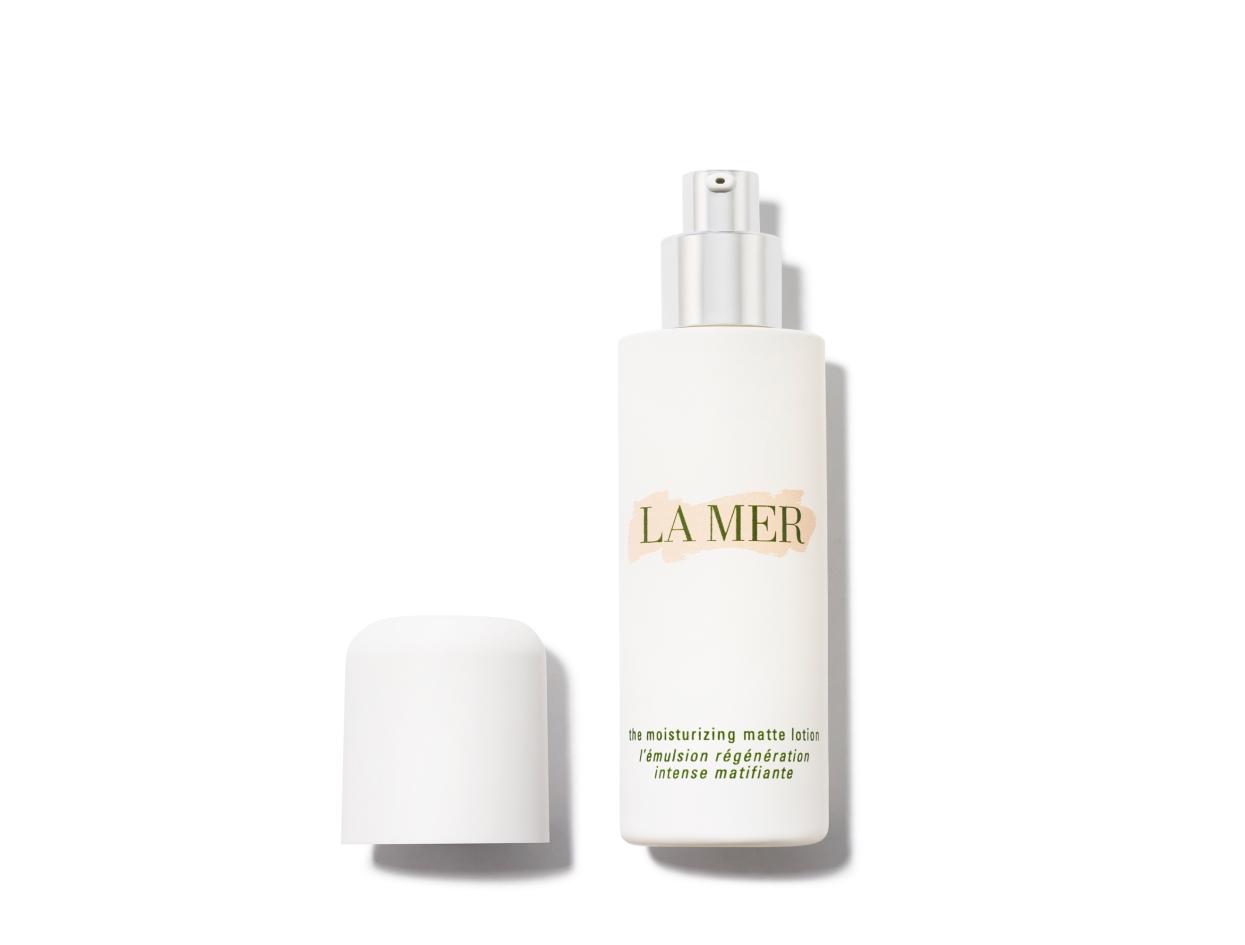 La Mer The Moisturizing Matte Lotion | Shop now on @violetgrey https://www.violetgrey.com/product/matte-face-lotion/LAM-5HHP01