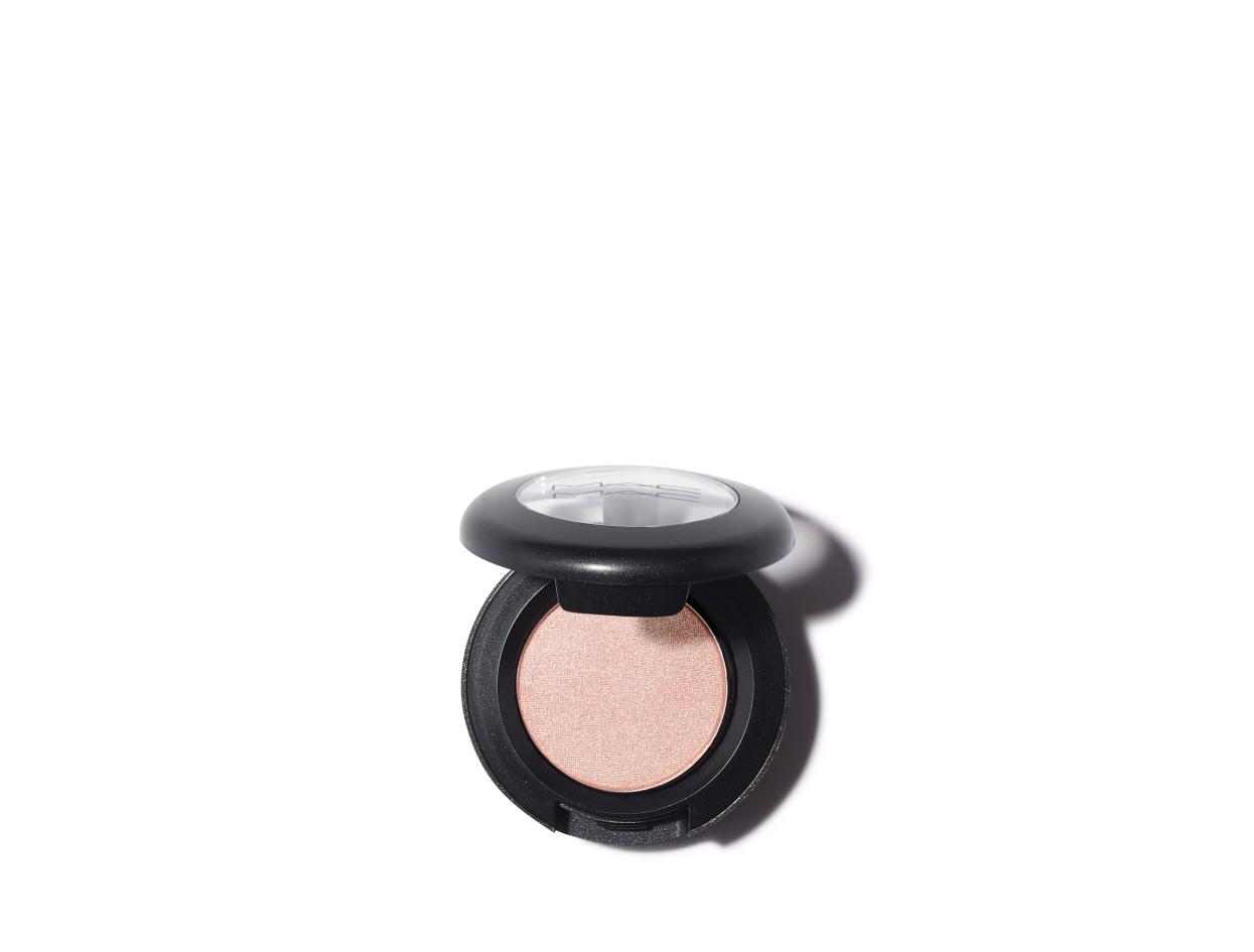 M·A·C Extra Dimension Eye Shadow in Naked Lunch | Shop now on @violetgrey https://www.violetgrey.com/product/mac-eye-shadow/MAC-M250ET