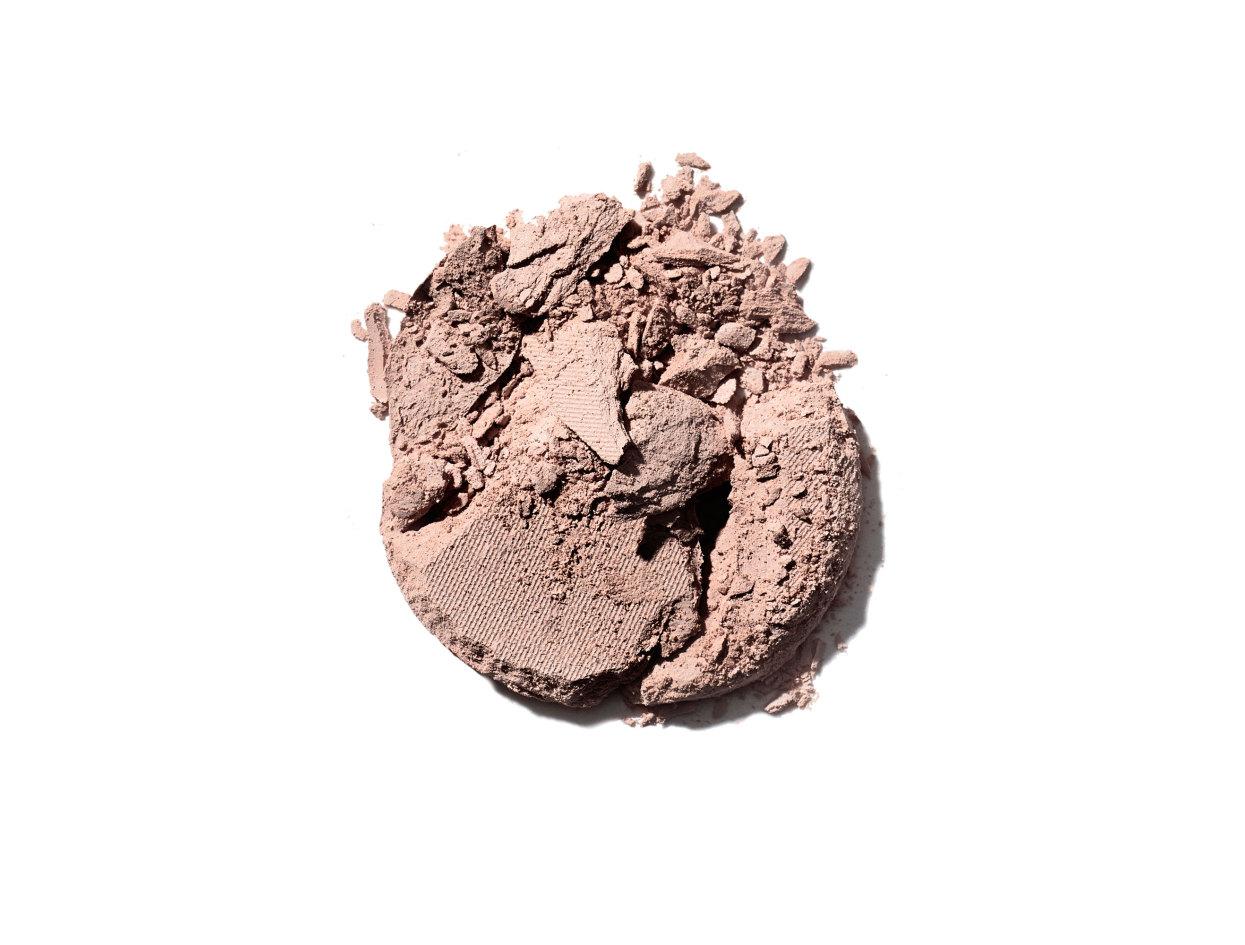 M·A·C Eye Shadow in All That Glitters | Shop now on @violetgrey https://www.violetgrey.com/product/eye-shadow/MAC-M55K-38