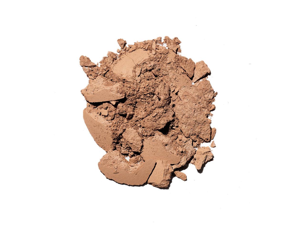 M·A·C Mineralize Skinfinish Natural Powder in Dark Golden | Shop now on @violetgrey https://www.violetgrey.com/product/mineralize-skinfinish-natural-powder/MAC-MT7E-17