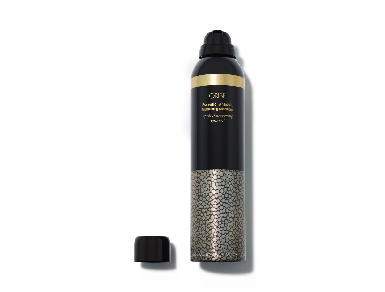 Oribe Essential Antidote Replenishing Conditioner in 7.1 oz | Shop now on @violetgrey https://www.violetgrey.com/product/essential-antidote-replenishing-conditioner/ORI-A1COANT80A1