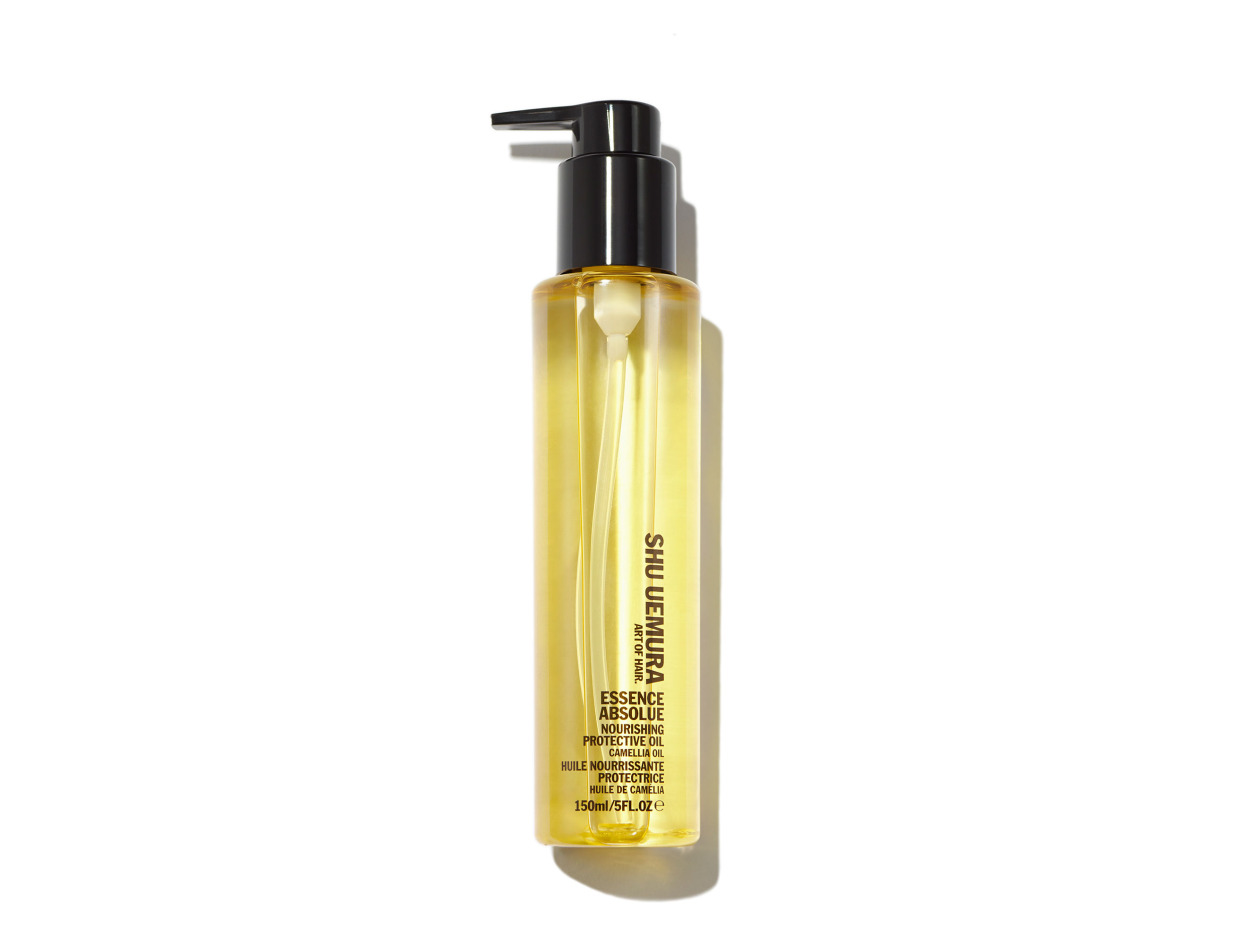 Shu Uemura Art of Hair Essence Absolue Nourishing Protective Oil in 5 oz   Shop now on @violetgrey https://www.violetgrey.com/product/essence-absolue-nourishing-protective-oil/SHU-E1603200