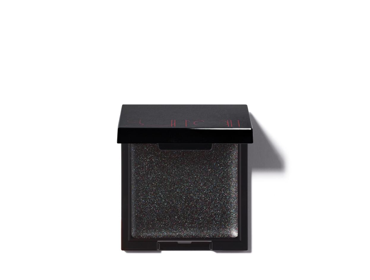 Surratt Beauty Lid Lacquer in Pika Pika | Shop now on @violetgrey https://www.violetgrey.com/product/lid-laquer/SUR-SB020-08