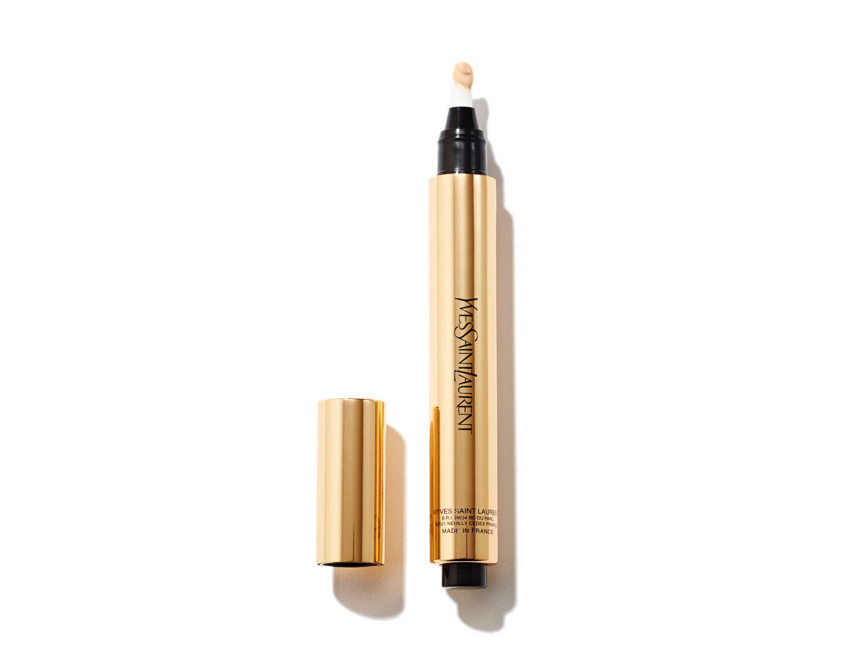 Yves Saint Laurent Touche Éclat Radiant Touch in 3.5 Luminous Almond | Shop now on @violetgrey https://www.violetgrey.com/product/touche-eclat-radiant-touch/YSL-L32184