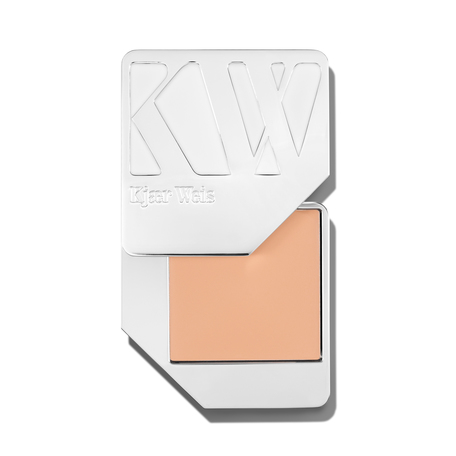 KJAER WEIS Foundation - Paper Thin | @violetgrey