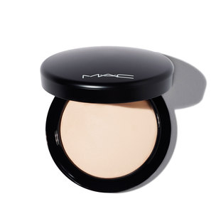 M·A·C Mineralize Skinfinish Natural Powder - Light | @violetgrey