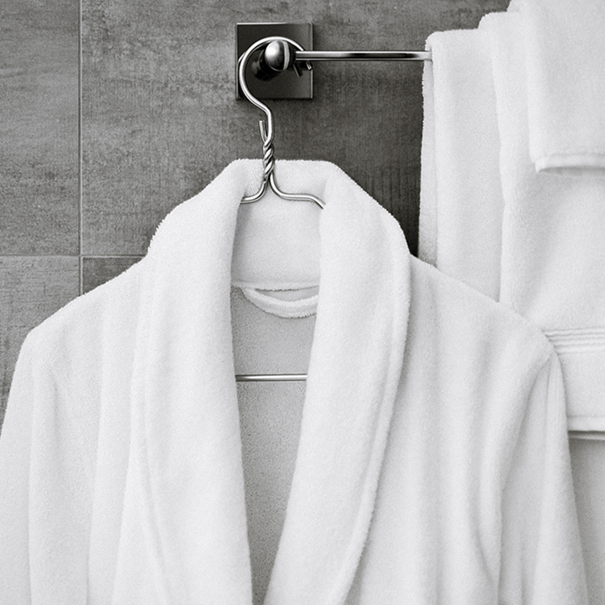 Receive two 100% Turkish cotton washcloths complimentary from Parachute Home with all orders over $100. Spend $500 and we'll gift you the washcloths and a luxurious bathrobe to elevate your bathing routine.