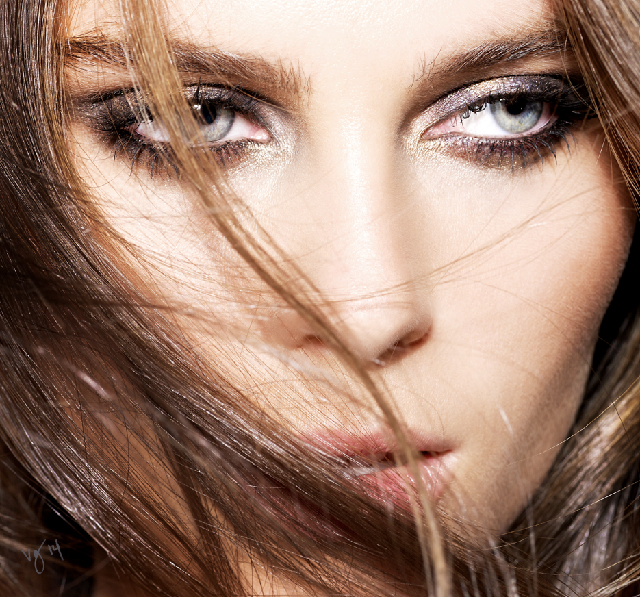 5-Step Party Eyes  |  #VioletGrey, The Industry's Beauty Edit