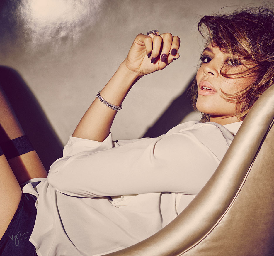 "CARMEN EJOGO IN ""THE BEDROOM EYES"" TUTORIAL by Jillian Dempsey  