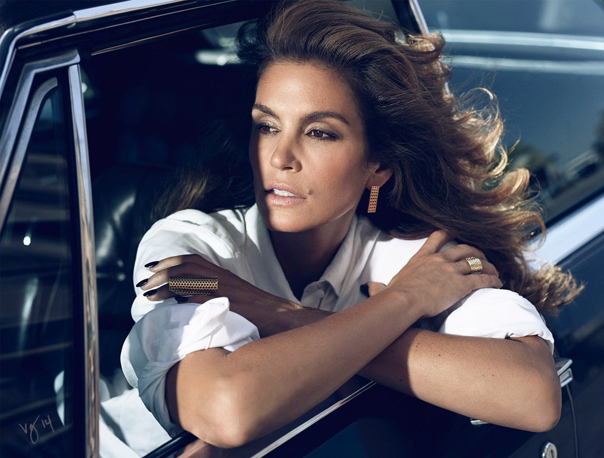 Makeup artist Dotti's guide to Cindy Crawford's cocoa smoky eyes and contoured cheeks     #VioletGrey, The Industry's Beauty Edit