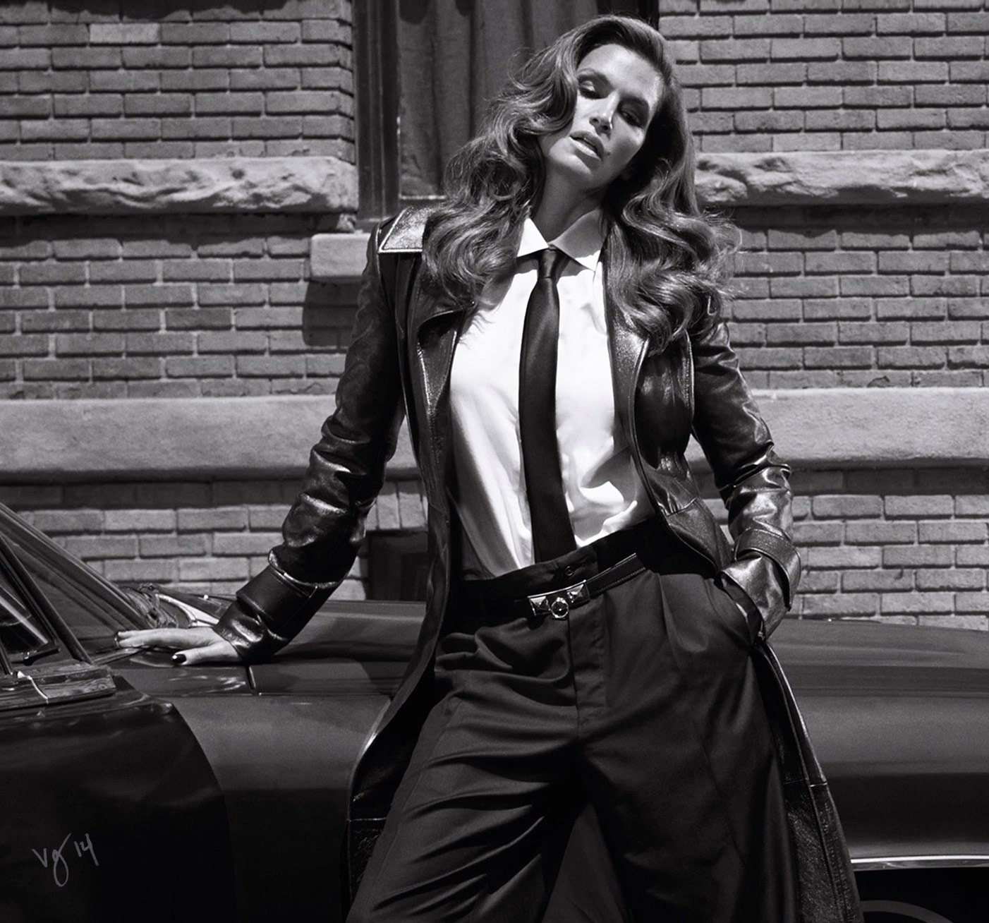 Hairstylist Serge Normant's step-by-step tutorial on Cindy Crawford's enviably full hair     #VioletGrey, The Industry's Beauty Edit