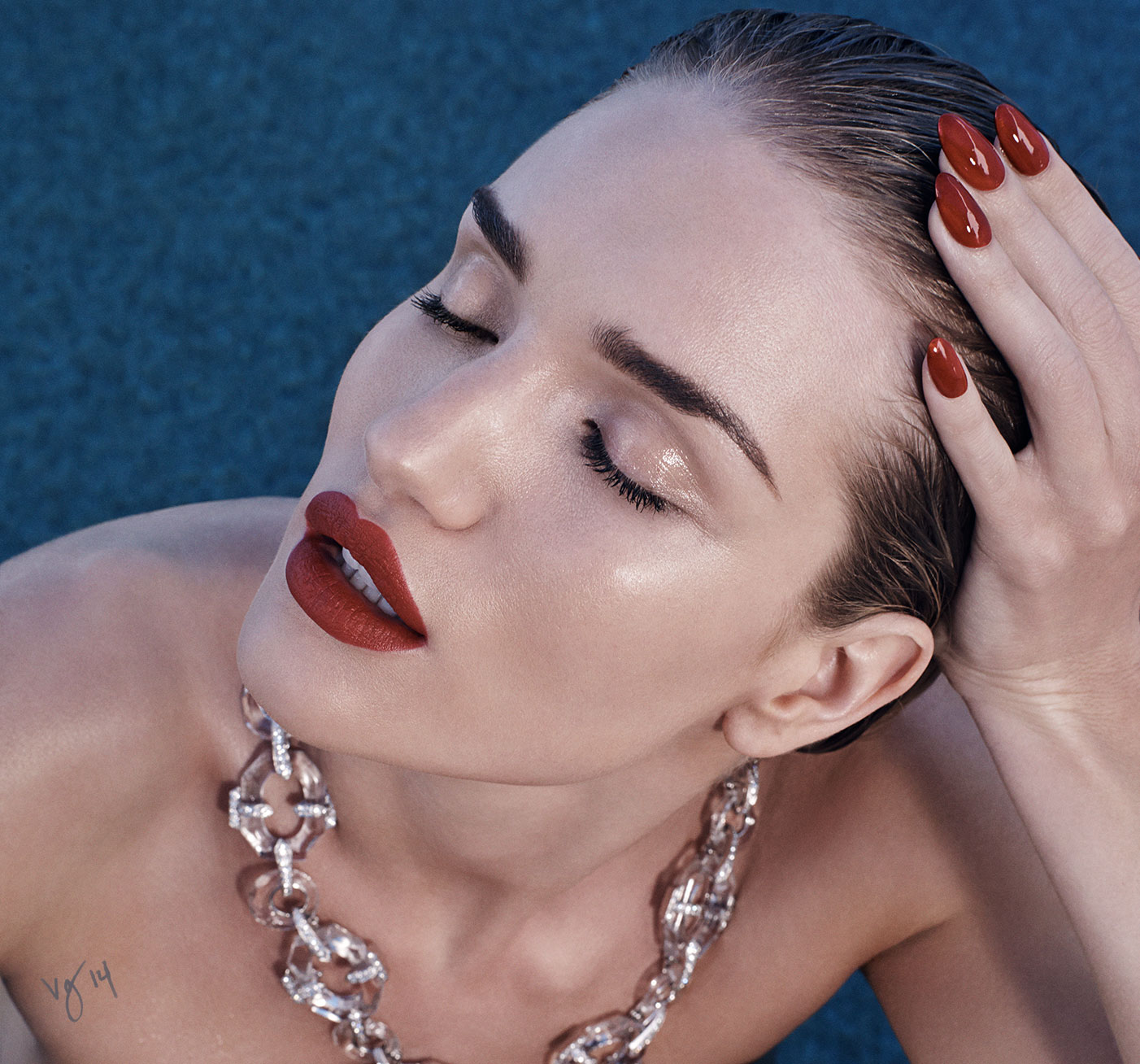 THE 9-STEP RED LIP TUTORIAL featuring Rosie Huntington-Whiteley by Kate Lee  |  #VioletGrey, The Industry's Beauty Edit