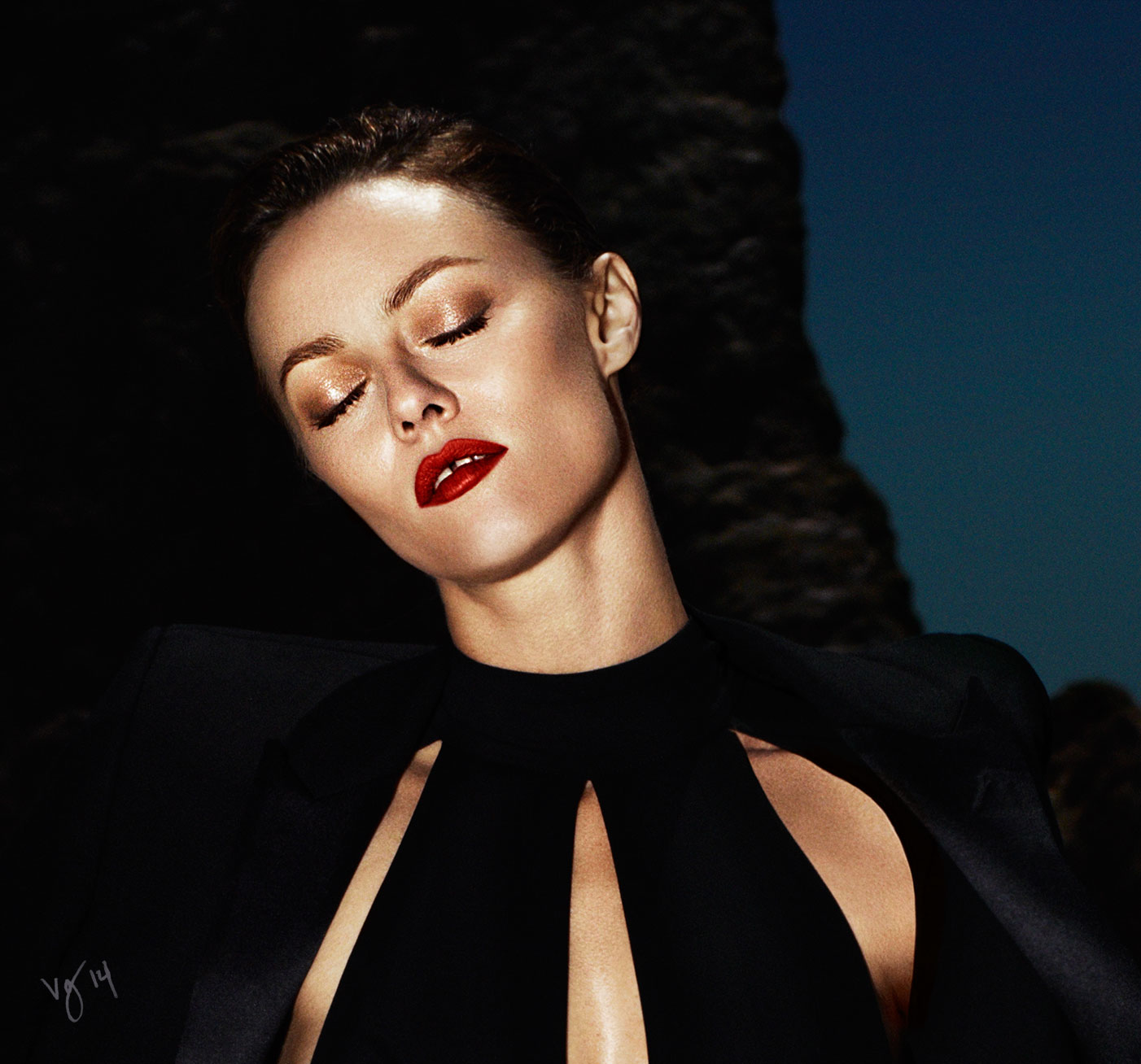 THE ORANGE-RED LIP TUTORIAL featuring Vanessa Paradis by Sabrina Bedrani  |  #VioletGrey, The Industry's Beauty Edit