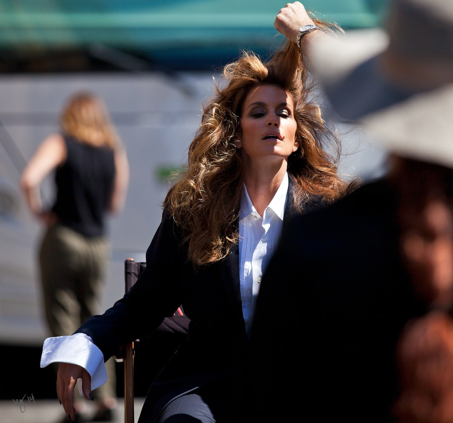 Behind the scenes with Cindy Crawford on Paramount Pictures' backlot  |  #VioletGrey, The Industry's Beauty Edit