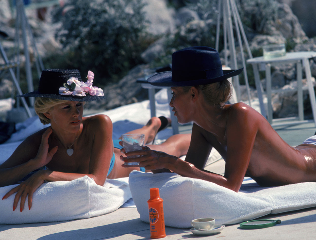 Slim Aarons  |  Top Flight: VIOLET BEACHES  |  #VioletGrey, The Industry's Beauty Edit