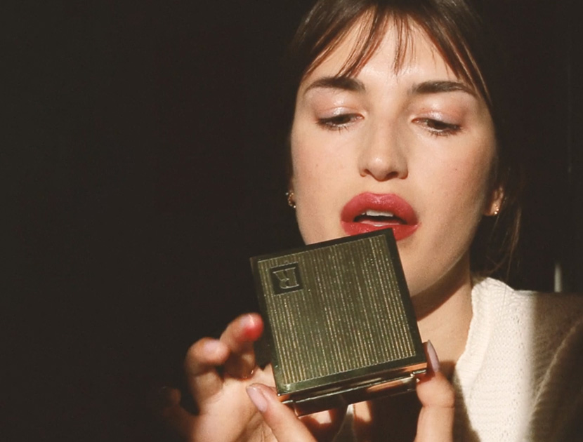 THE SECRET TO A FRENCH POUT   THE VIOLET FILES