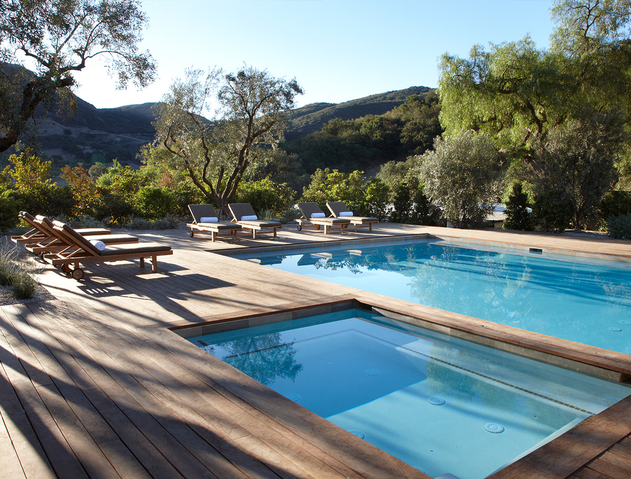 Inside Hollywood's Most Intense Wellness Retreat | THE VIOLET FILES